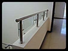 Apolo69 barandales de acero inoxidable barandales con vidrio templado galeria fotos - Herrajes acero inoxidable para vidrio ...